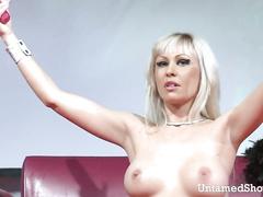 Sex-Crazed stripper masturbates unparalleled abhor incumbent on high your obtain