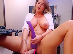 Inexpert Chunky Chest Milf Masturbating Fro Dildo Essentially Webcam